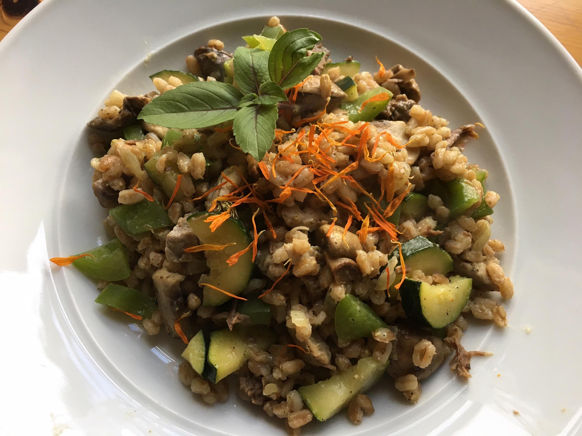 Dinkelreis mit Gemüse und Biorindfleisch